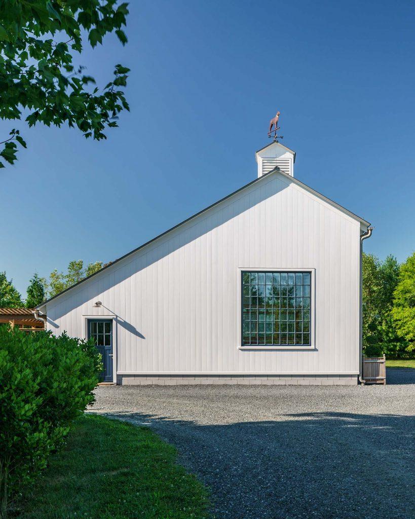 Kennel-Barn-Exterior-2-819x1024.jpg