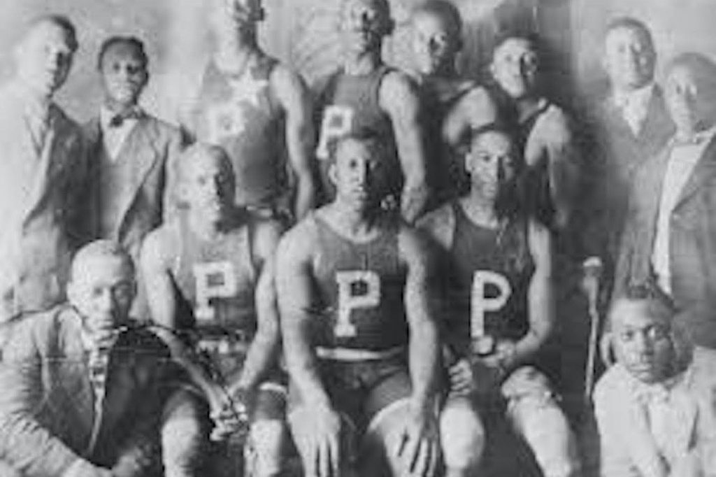 The Peerless Rens Basket Ball Team. Photo Courtesy of the Peerless Rens