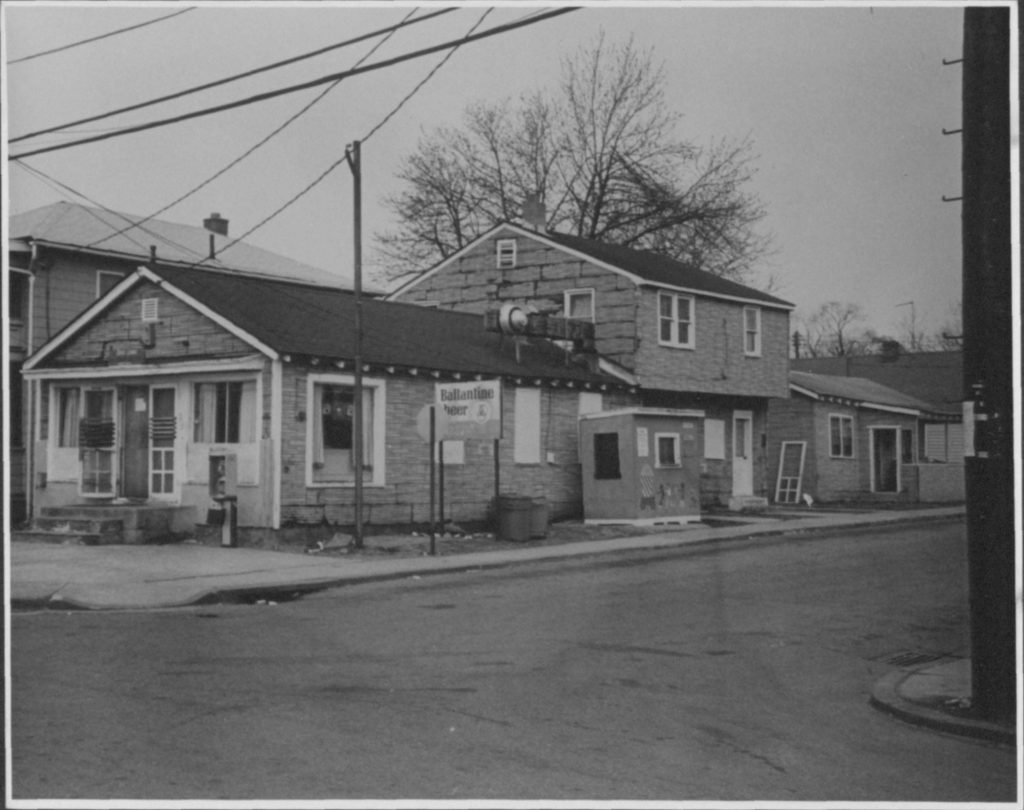 1973-1983 c. Unknown Davis' Tavern, 400 Chester Avenue, Eastport, African-American owned and operated business Accession No.: MSA SC 2140-1-533 Location: 33/02/02/26