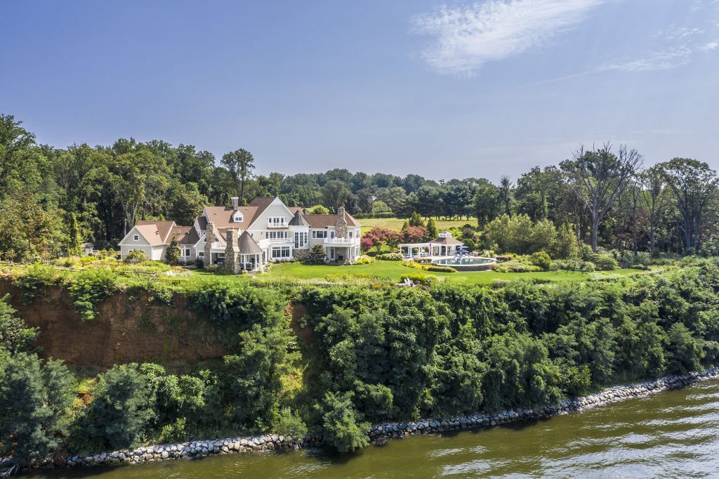"""Architect Steve Terhune modeled this home after turn-of-the-century houses in the Hamptons, considered America'sversions of """"castles made of wood."""""""